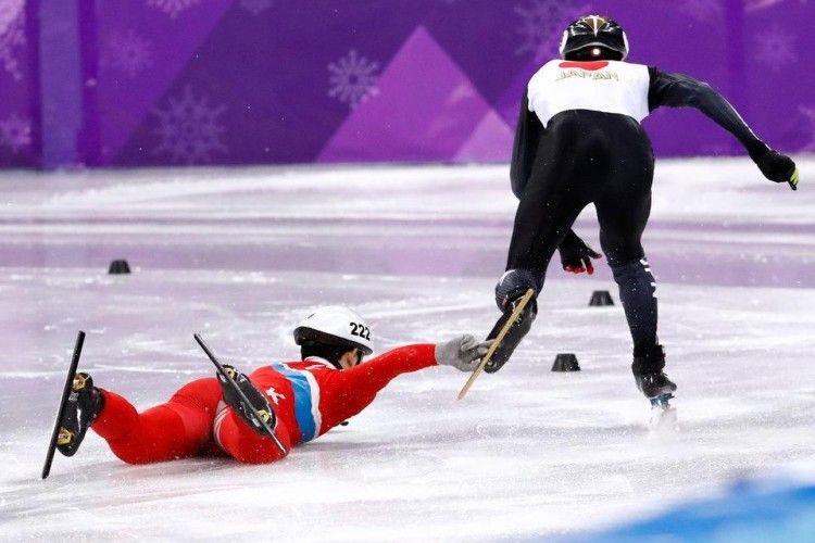 Спортсмен з Північної Кореї гепнувся сам, ще й спробував завалити японця?