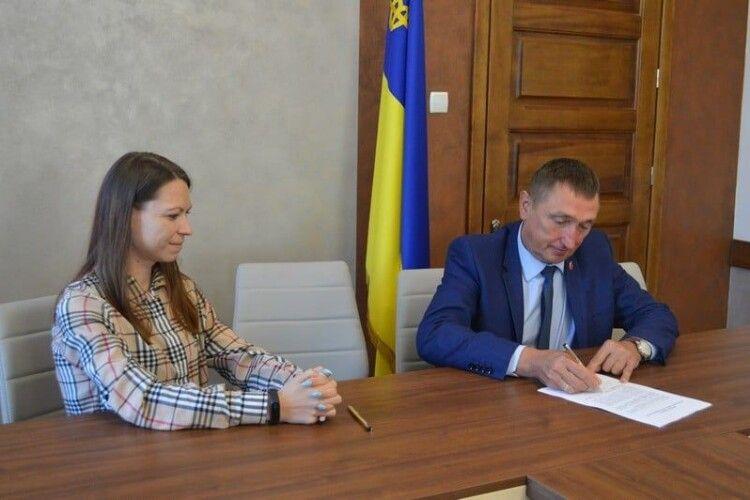 Волинський політик другим в Україні підписав Кодекс поведінки під час виборчого процесу