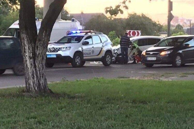У ДТП в Луцьку травмувався мотоцикліст