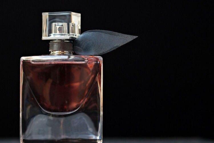 40-річний лучанин крав парфуми  із однієї мережі магазинів