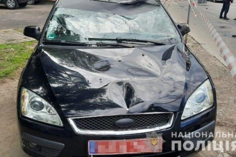 У Луцьку на переході легковик збив батька з дітьми: подробиці (Фото)