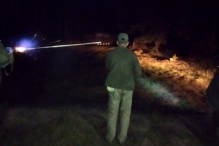 На Маневиччині вночі стріляли з автомата Калашникова (Фото)