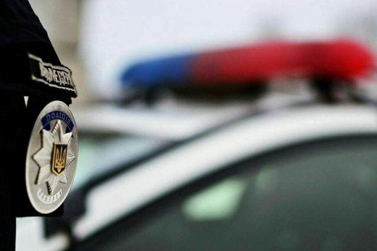 Волинського поліцейського на два роки засудили за наркозлочини