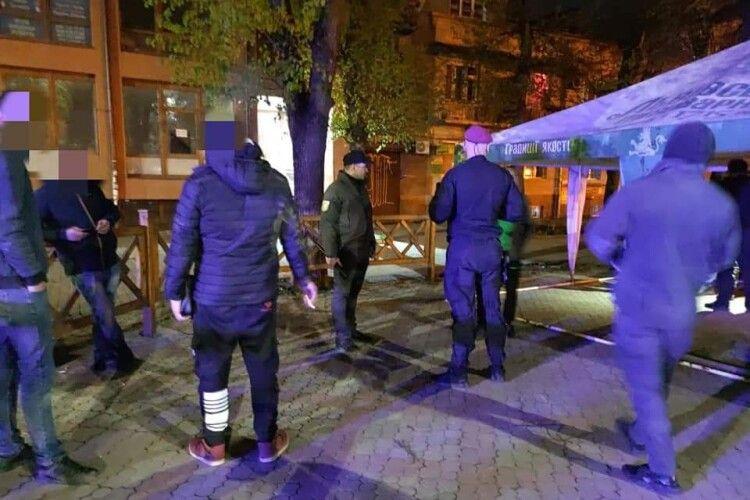 Уночі біля вокзалу билися близько десяти людей (Фото)