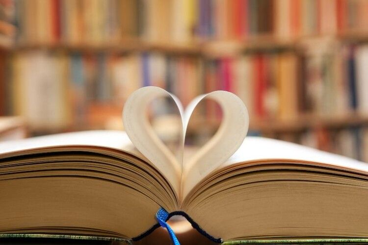 Лише 8% українців щодня читають книги