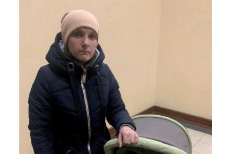 Жінку, яка зникла з малими дітьми, знайшли: вона з малюками пішла жити в церкву