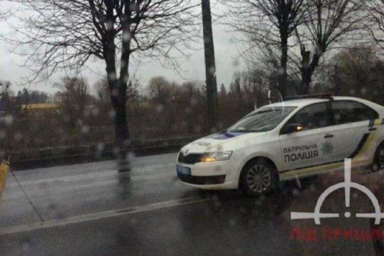 У Луцьку трапилась аварія за участі трьох автомобілів (Відео)