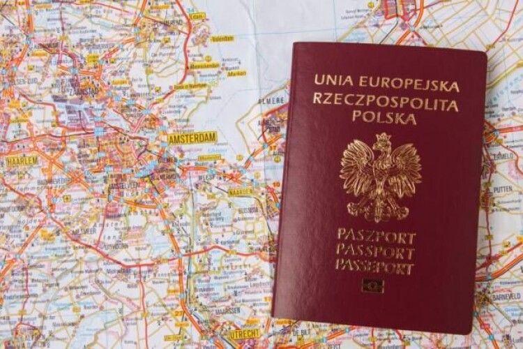 Великий наплив: Польща не встигає легалізовувати трудових мігрантів