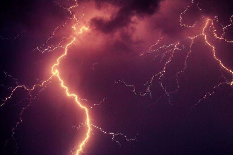 В Україні оголосили штормове попередження: які найбільше постраждають
