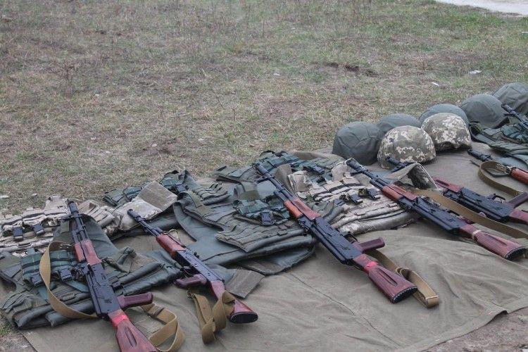 На Волині 17 груп агітують до контрактного війська