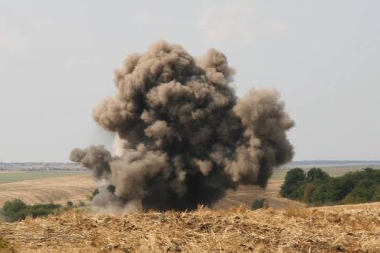 На Волині сапери знищили 12 боєприпасів
