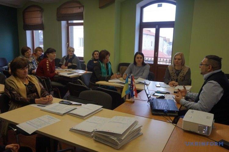 Волинські громади обговорили новації податкового законодавства