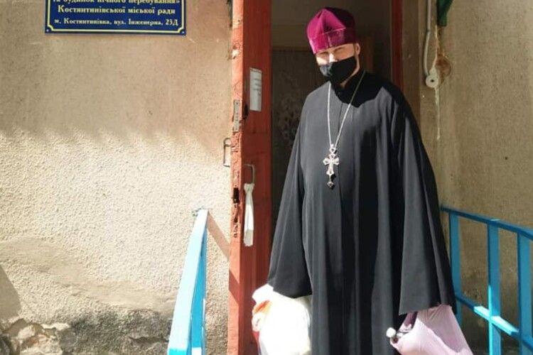 Капелан Православної церкви України організував допомогу нужденним (Фото)