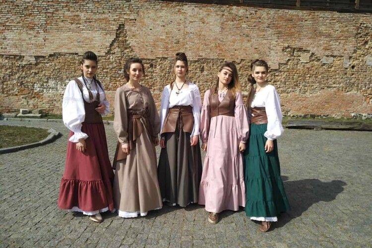 Волинські кравчині створили колекцію одягу «Натхнення Любарта» (Фото)