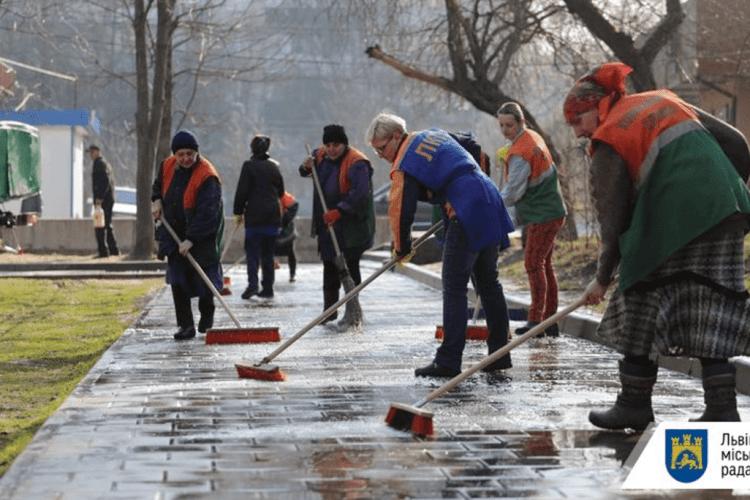 У львівських двірників хочуть відібрати премії за минулий рік