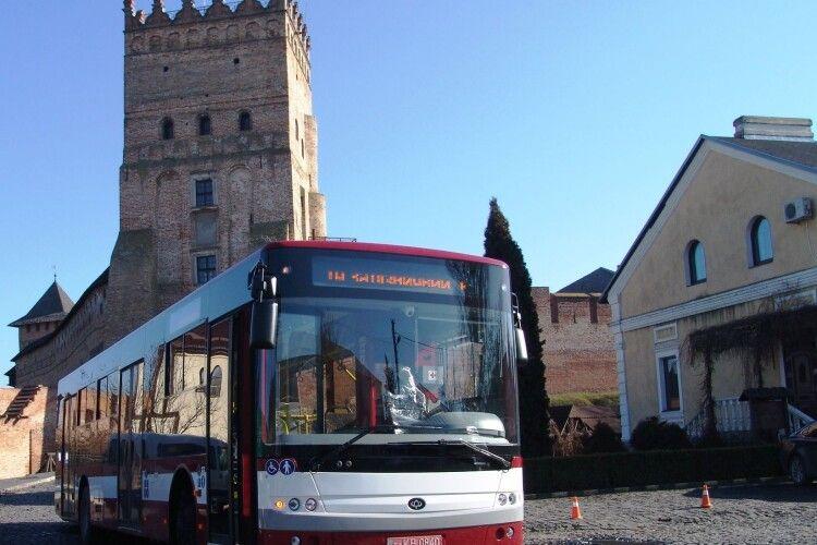 10 луцьких автобусів відправлять до Франківська