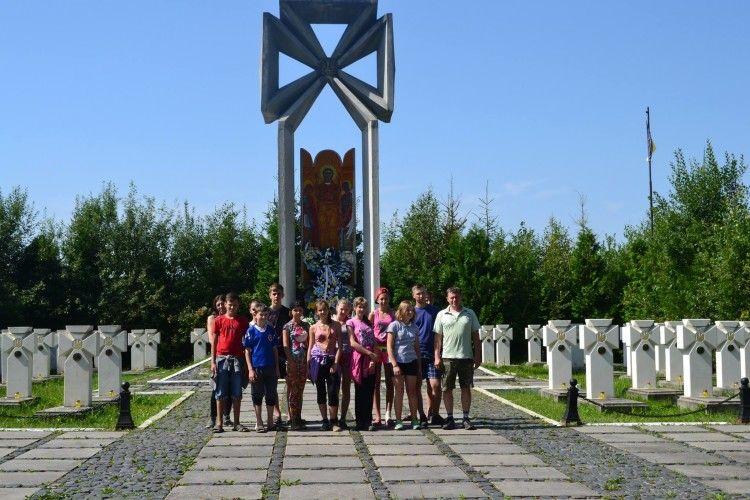 Волинські школярі стають патріотами після експедицій Україною (Фото)