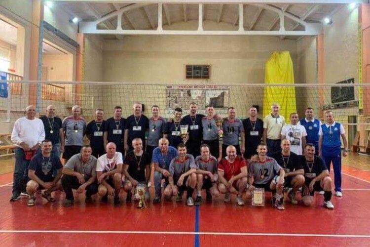 Волейбол: на Буковині визначили призерів ветеранського чемпіонату (Фото)