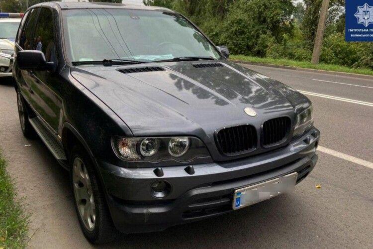 У Луцьку зупинили BMW із підробленими документами