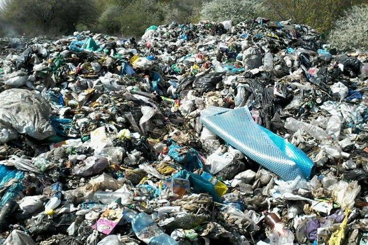 Львівське сміття дісталося вже в Іваничівський район Волині (фото)