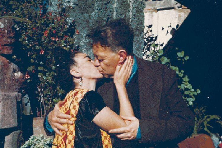 Вдруге вони одружилися зумовою: «зв'язок буде виключно духовний— ніяких фізичних контактів»