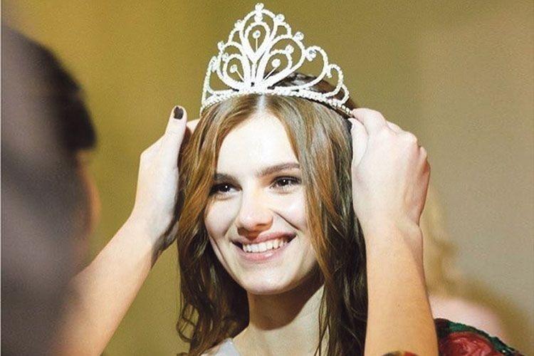 Найкрасивіша дівчина Волині: «Хочу, як Анджеліна Джолі, допомагати дітям–сиротам»