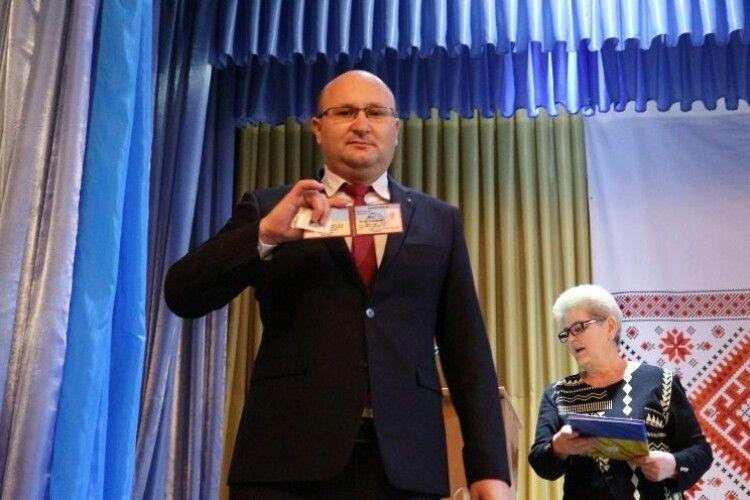 Любешівський селищний голова склав присягу