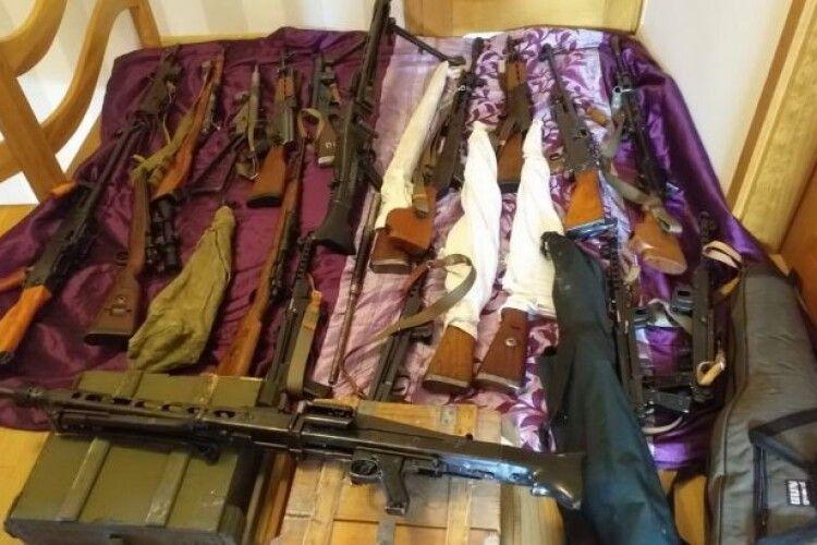 У Польщі затримали групу контрабандистів, які постачали зброю до України