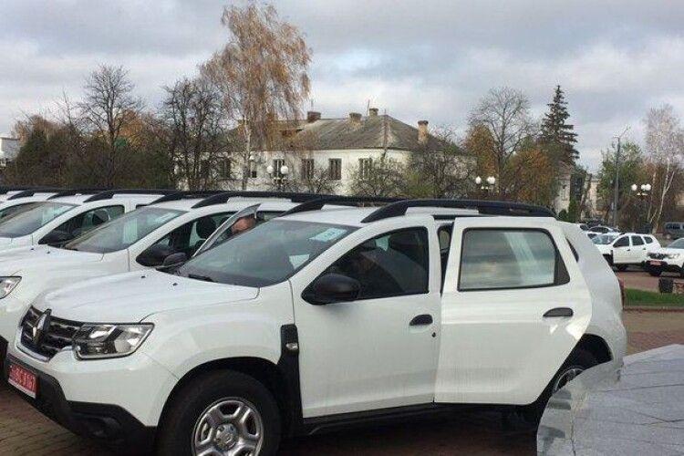 На Волині сільським медикам купили нові авто (Фото)
