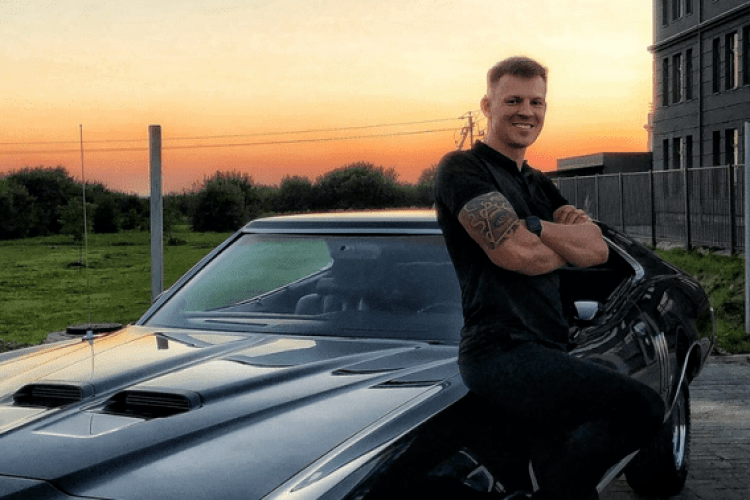 «Юрі було лише 28»: за кілька днів до дня народження у нічній ДТП загинув молодий дрифтер і його колега (Відео)