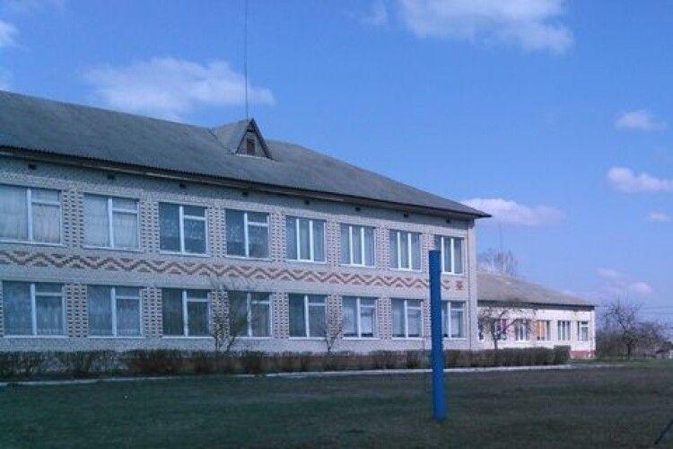 На Камінь-Каширщині школі повернуто частину приміщення