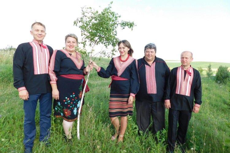І артисти з Берестечка привітали захисників України
