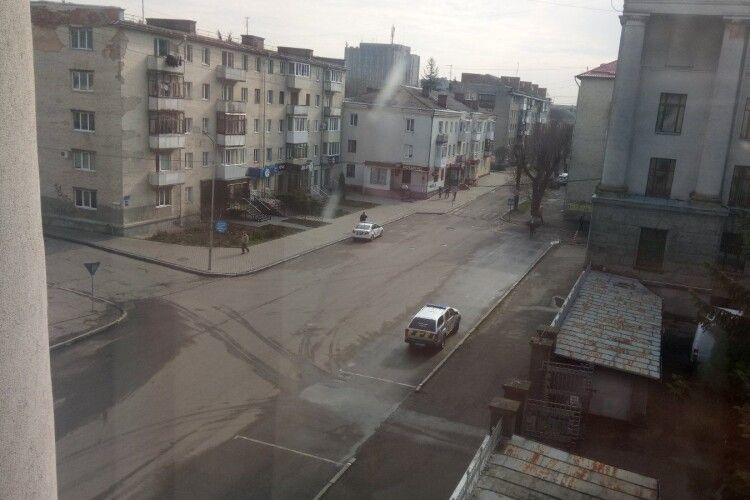 Чи перекривають для спікера українського парламенту дороги в Луцьку (Фото)