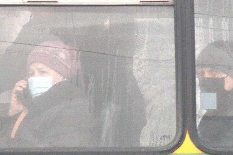 Пасажирка травмувалася ...у луцькій маршрутці