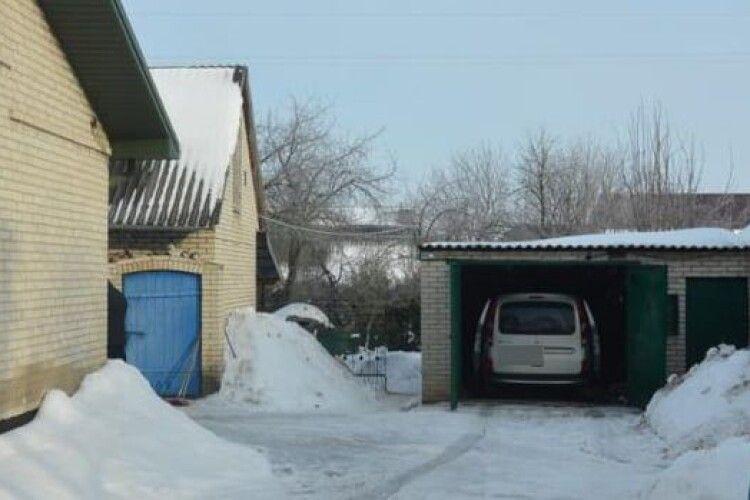 На Волині «на гарячому» попався чоловік, який хотів викрасти авто з гаража