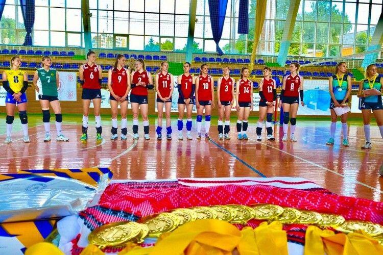 Луцькі волейболістки поїдуть в Китай на студентську першість світу (Фото)