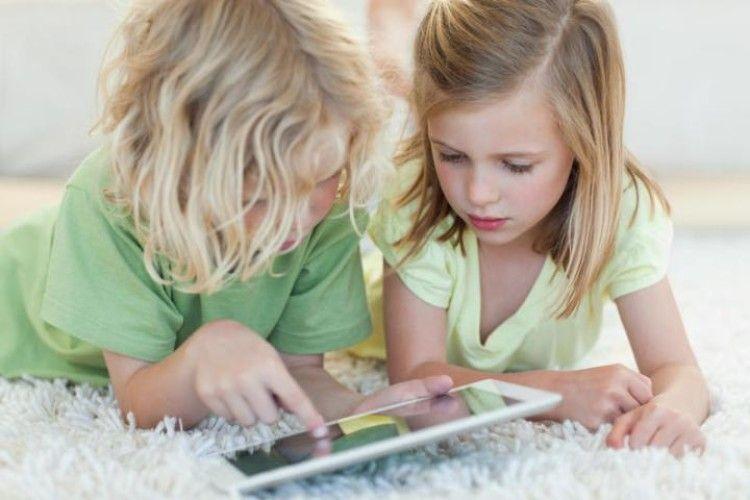 Лікарі розповіли, коли смартфони і планшети не шкодять дитині
