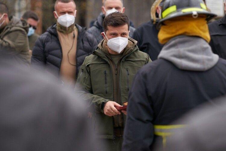 Зеленський нагородив бійців ДСНС, які брали участь у гасінні масштабної лісової пожежі в Чорнобильській зоні (Фото)
