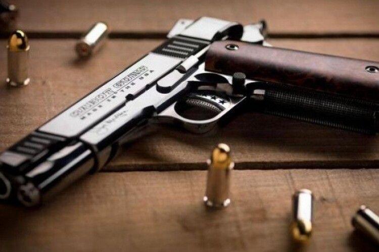 Камінь-Каширський відділ поліції нагадує про необхідність перереєструвати зброю