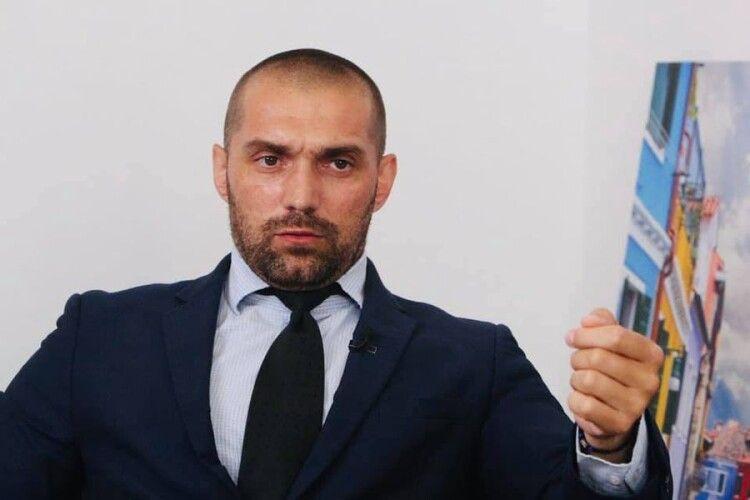 Президент Зеленський керує правоохоронцями в ручному режимі – журналіст Юрій Бутусов