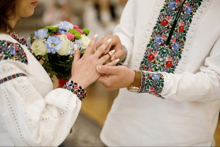 Мешканців Маневиччини, де гості на весіллі заразилися коронавірусом, просять не влаштовувати гучних святкувань