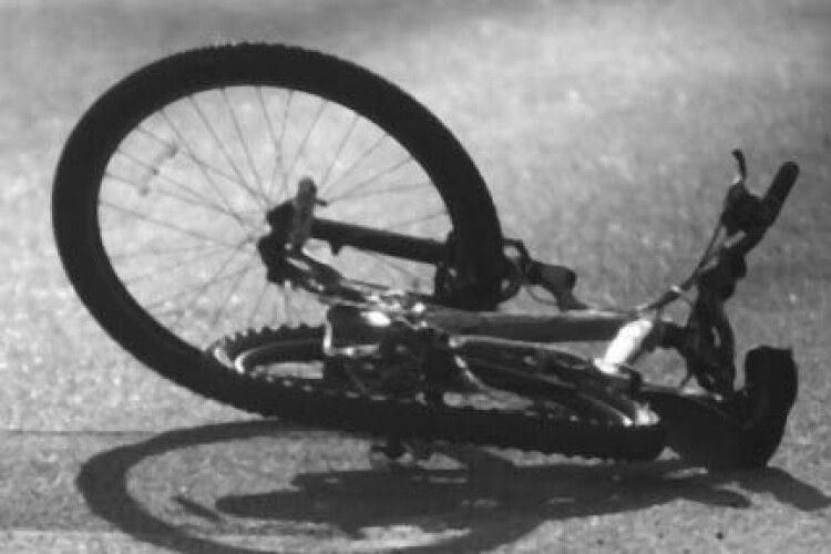 У Ківерцях під колесами автомобіля загинув велосипедист