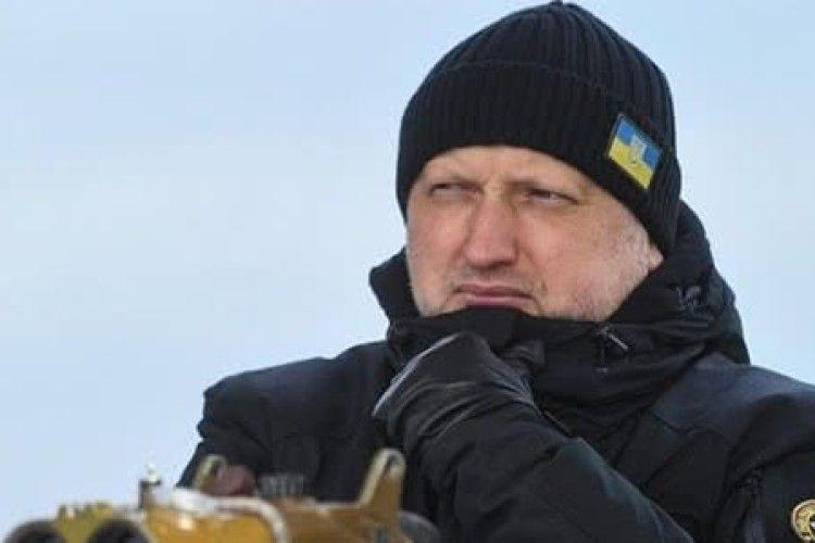 Турчинов зізнався, що в березні 2014-го брехав, що в України є боєздатна армія