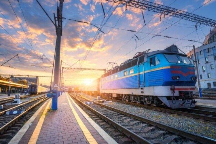 Від Луцька до Ужгорода хочуть пустити поїзд