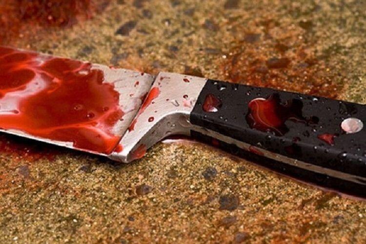 Волинянка впала на ніж, нахромилася й померла