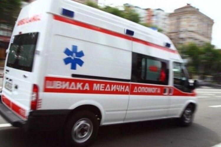 У Луцьку – серйозна ДТП: автівка збила жінку