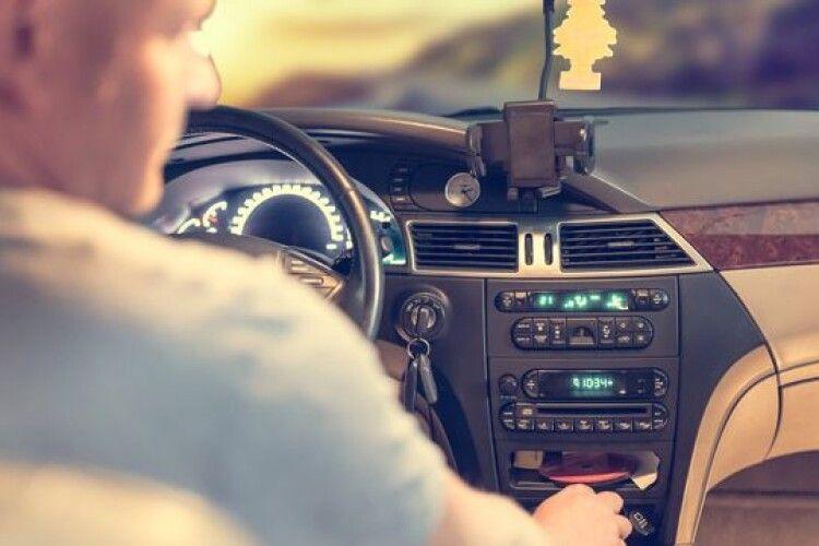 На Волині водій припаркував авто й помер: подробиці трагедії