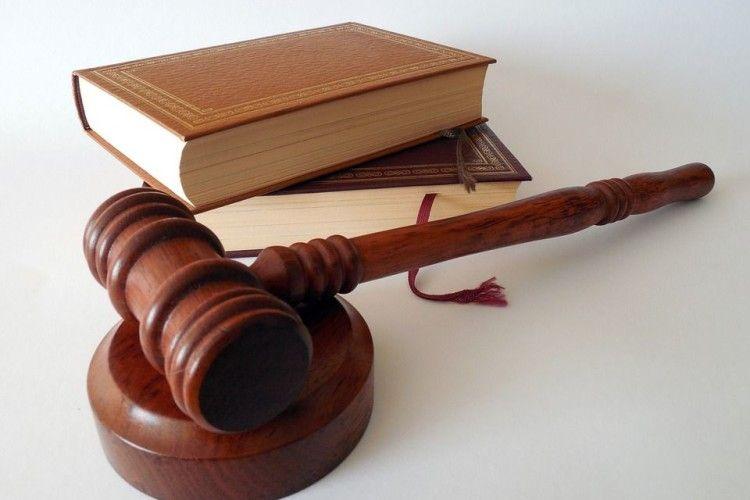 Волинський адвокат опинився на лаві підсудних