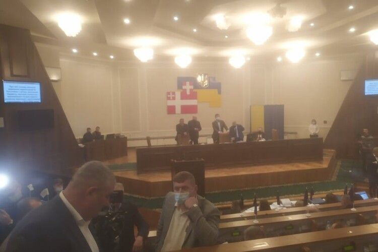 «Я не хочу працювати, не хочу більше бачити ваші морди»: Погуляйко заявив, що проти нього змова (ВІДЕО)