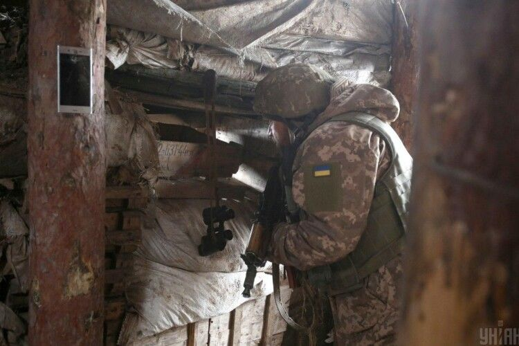 Перед Великоднем російські найманці стріляли по українських позиціях з мінометів, є поранений